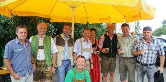 Foto: (2 v.l. GK Anton Kühberger, 5 v.l. GR Margrit Gasper, 2 v.r. BPO Bgm. Andreas Kühberger, 3 v.r. OPO Leopold Kühberger und die Puchfreunde) (Foto: ÖVP Kammern)