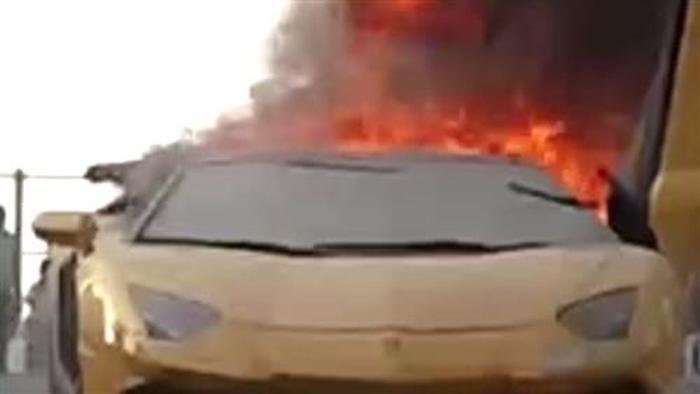 Lamborghini geht in Flammen auf