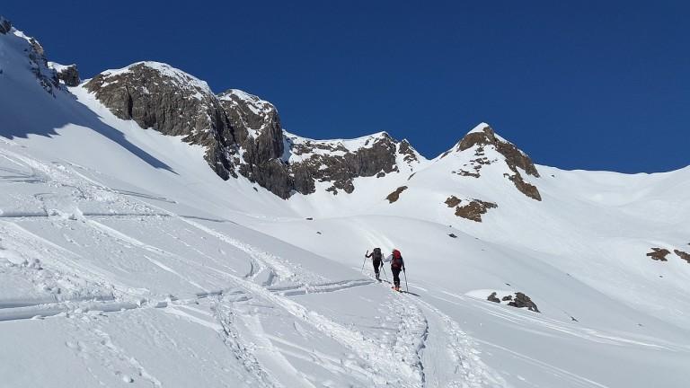Alpinunfall: Skitourengeherin verletzt