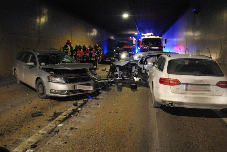 Niesanfall verursachte Verkehrsunfall im Gleinalmtunnel