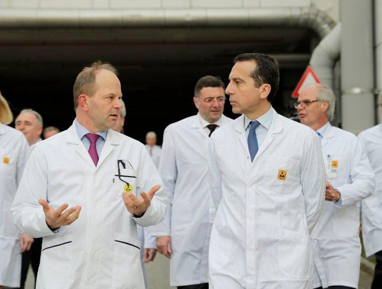 Bundeskanzler Kern und Infrastrukturminister Leichtfried zu Besuch  bei AT&S