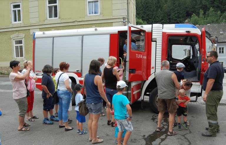 Kinder besuchen Feuerwehr Eisenerz