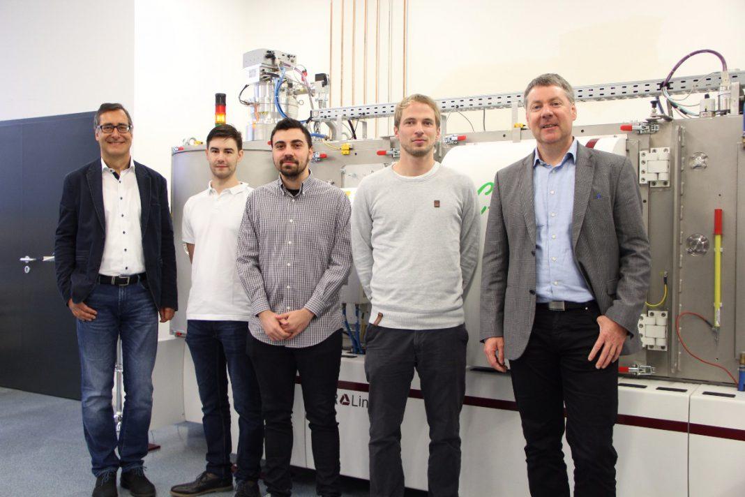 Einige der beteiligten Wissenschaftler v.l.n.r.: Univ.-Prof. Dr. Christian Mitterer, Christian Koczwara, Nikolaos Kostoglou, M.Sc., Dipl.-Ing. Dr. Christian Prehal und Univ.-Prof. Dr. Oskar Paris