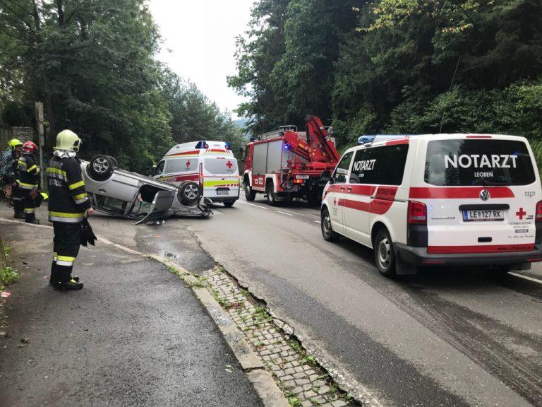 PKW am Häuslberg überschlagen