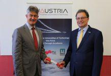Montanuni-Rektor Wilfried Eichlseder (re.) übernimmt Präsidentschaft der TU Austria von TU Graz-Rektor Harald Kainz (li.) (Foto: TU Graz)