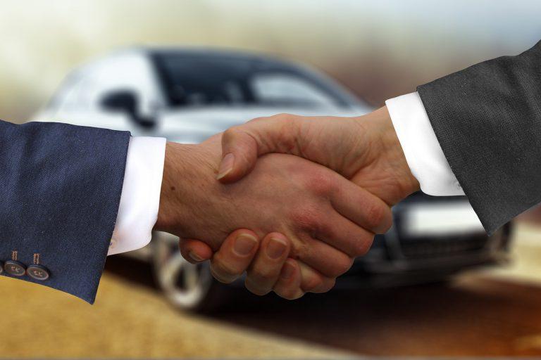 Fahrzeug im Ausland kaufen: Behörden nicht vergessen